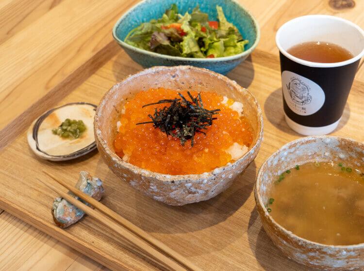 北海道産特製いくら丼